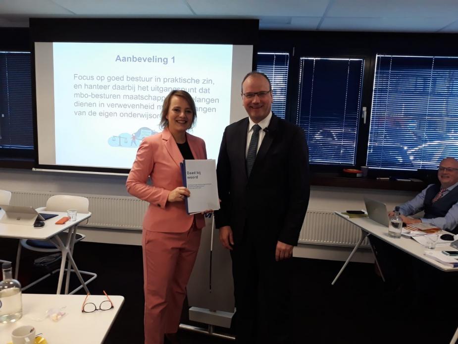 Afbeelding van Edith Hooge met MBO Raad-voorzitter Ton Heerts