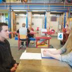 Afbeelding een student en docent op ROC Mondriaan